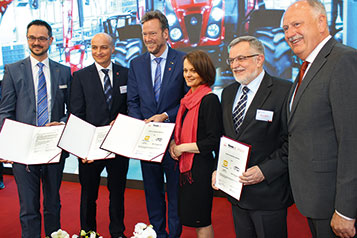 Signing of the contract at HANNOVER MESSE 2017
